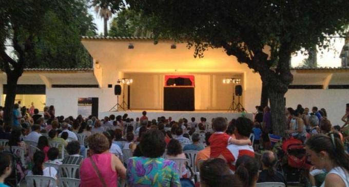 """Una gran afluencia de público en la sesión cultural de """"Los martes en familia"""", del Ayuntamiento de Écija."""