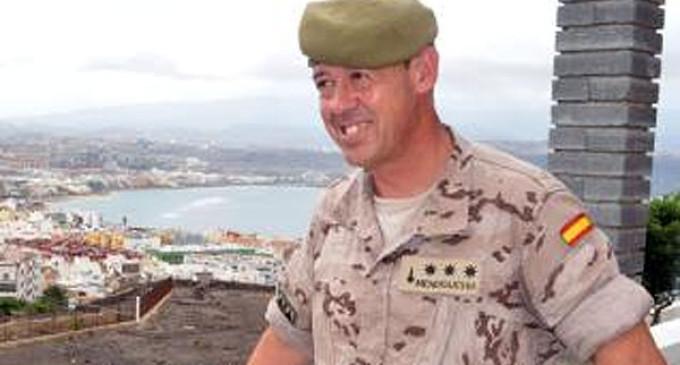 El coronel Miguel Mendiguchia Mena, de Écija, recibe el título de alcaide del Castillo de La Luz, en Las Palmas de Gran Canaria