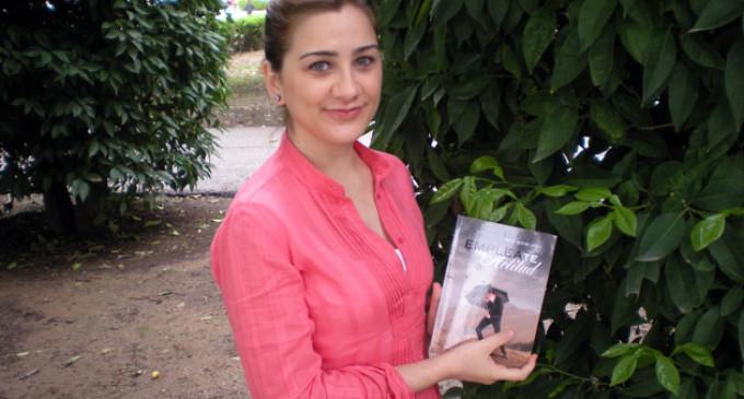 """Rocío Rivero López, oriunda de Écija y sobrina-nieta de Agustín Rivero, triunfa en América y España con su libro  """"EMPLEAte con Actitud"""""""