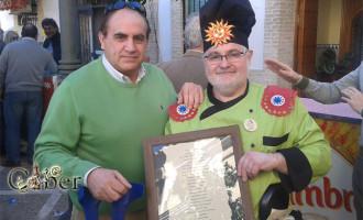 Entrañable homenaje al pregonero Nico del Carnaval de Écija.
