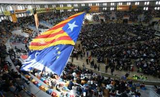 """En una publicación se comparan las hipótesis de las ANC, Assemblea Nacional Catalana, con los """"Siete niños de Écija"""""""