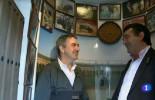 """El programa de televisión, """"Un país para comérselo"""", visitó la peña de Fernado Atenciano, dedicada a Curro Romero de Écija"""