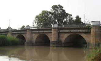 Las actuaciones del Puente Romano de Écija, insertas en el Plan Supera modifican el tráfico durante unas horas