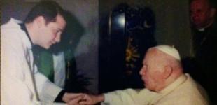 El sacerdote Luis J. Rebolo, que fue arcipreste y párroco de Santiago en Écija, deja el sacerdocio