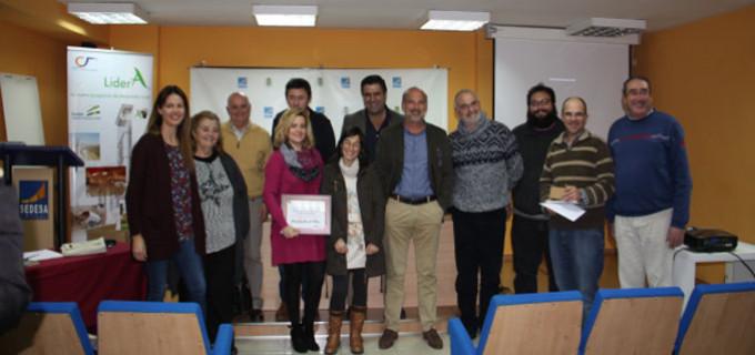 """El GDR Campiña-Alcores presenta en Écija el libro """"Descubre nuestro Tesoro Azul"""" destinado a la comunidad educativa."""