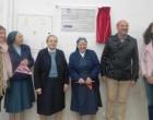El alcalde de Écija, Ricardo Gil-Toresano ha descubierto la placa conmemorativa de las Hijas de la Caridad