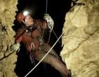 El arqueólogo de las excavaciones de Écija, Sergio García-Dils, descendió a la cueva más profunda del mundo