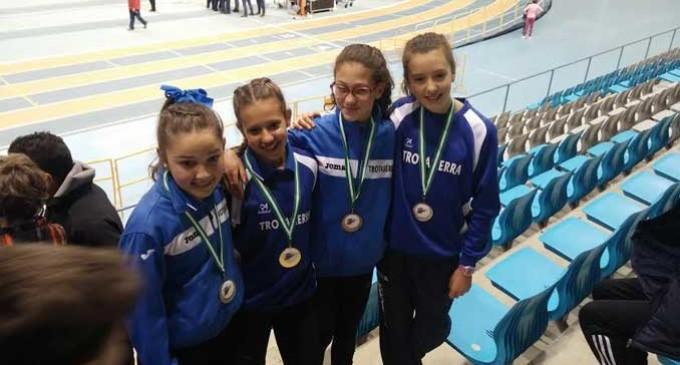 Record de medallas para atletas de Écija en el Campeonato de Andalucía en pista cubierta