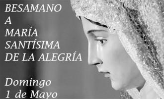 Se realizó en Écija el Besamano a María Santísima de la Alegría, el día de las madres