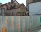 El Partido Popular de Écija denuncia en el estado en el que se encuentra el solar de la calle Almonas