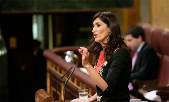 La Diputada de Écija por el PP, Silvia Heredia, interviene en el Congreso defendiendo las políticas sociales