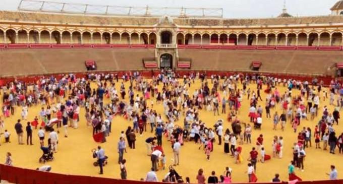 La Escuela Taurina de Écija y la de Sevilla con Pepe Luis Vargas al frente, en la Jornada de Puertas abiertas en la Real Maestranza de Sevilla