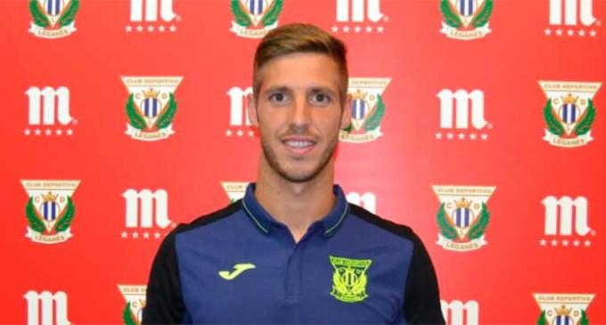 El futbolista de Écija, Rubén Pérez,  elegido Jugador Cinco Estrellas de agosto