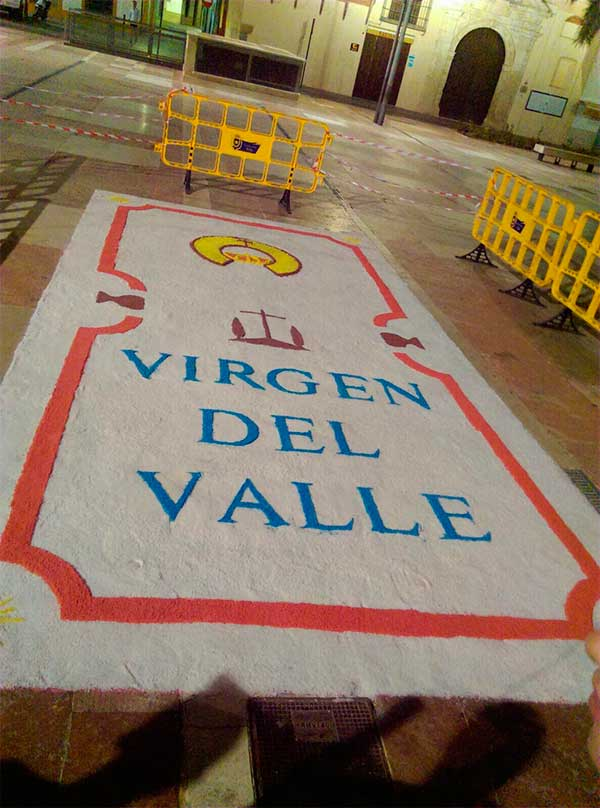 virgen-valle-alfombra