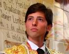 El novillero de Écija Ángel Jiménez comienza la temporada triunfando en Francia
