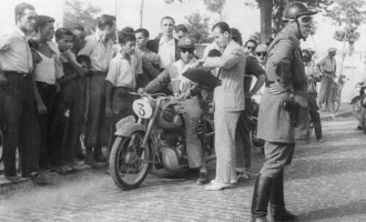 CAPÍTULO XLV: DE ALGUNOS HECHOS, SUCESOS, ANÉCDOTAS Y OTRAS NOTICIAS: EL MOTOCLUB DE ÉCIJA, EL CLUB NAÚTICO, PEÑAS ECIJANAS…por Ramón Freire