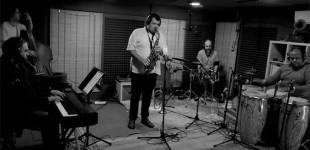El músico y compositor de Écija, Nacho Botonero nos presenta la grabación de su nuevo trabajo FLOR DEL DESIERTO (video)