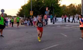 Imágenes de participantes en la Carrera Nocturna de Écija 2019 (video)