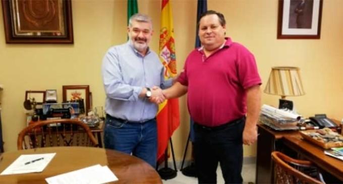 Se firma un convenio de colaboración entre el Ayuntamiento y el Écija Club de Fútbol