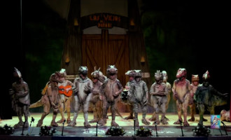 """La Chirigota de Écija, """"Los viejos del Parque"""", obtienen el Primer Premio en las actuaciones de Alcalá y Huelva así como el Dedal de Oro al mejor disfraz (video)"""