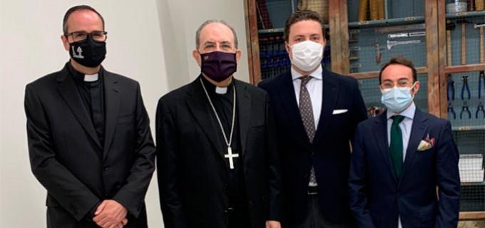 El Arzobispo de Sevilla inaugura el Taller Diocesano de Restauración en el Palacio Arzobispal, en cuya planificación han intervenido los restauradores adscritos Antonio Gamero y Agustín Martín de Écija