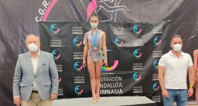 La gimnasta de Écija, Carmen Arroyo, gana el Campeonato de Andalucía de Copa-Precopa de Gimnasia Rítmica en la categoría infantil