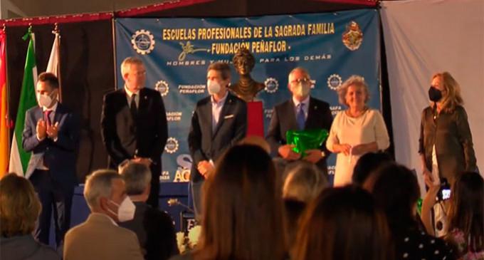Las Escuelas Profesionales SA.FA. de Écija clausura el curso académico con la entrega de los Premios Azulejo 2020, un Homenaje a los Profesores Jubilados y anuncia los Premios Azulejos 2021 y el Premio Marquesa de Peñaflor 2022